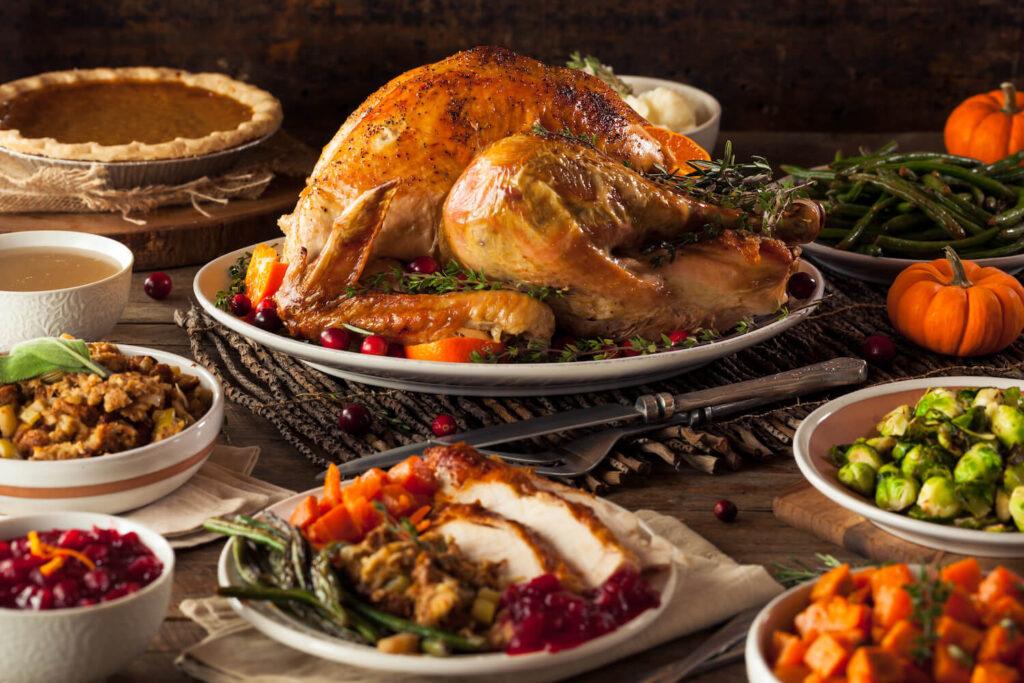 Atlas Colorado Springs Thanksgiving Food Drive